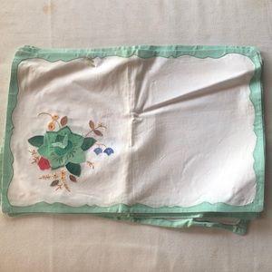 Vintage Handmade Floral Linen Placemats•